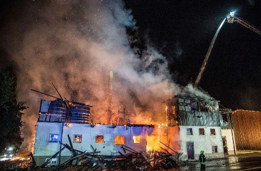 Millionenschaden bei Brand auf Gestüt