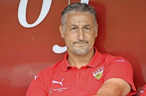Jürgen Kramny (44)Bisher Trainer der zweiten Mannschaft des VfB. Hat nur eine Chance, wenn ihm ein Traumstart gelingt. Foto: Bongarts