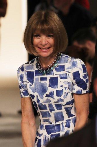 Die High Society in der Front Row: Vogue-Chefin Anna Wintour war sichtlich angetan von Victoria Beckhams Schau in New York. Foto: GETTY ABO