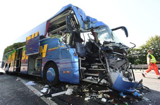 Ermittler nehmen Reisebus unter die Lupe
