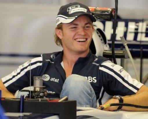 Rosberg steigt ins Silberpfeil-Cockpit
