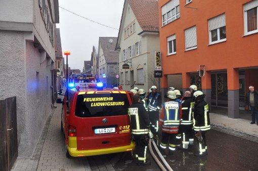 Großbrand von Wohnhaus in neckarweihingen Foto: Andreas Rosar Fotoagentur-Stuttgart