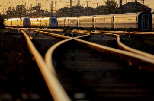Fernzüge der Deutschen Bahn im Juni häufiger verspätet