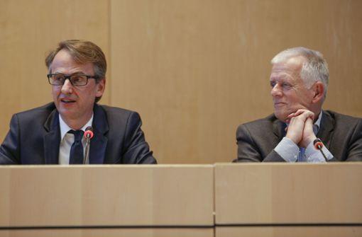 Scharfe Kritik an Kuhns Stellenverschiebung