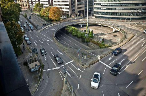 Das Rondell    am Österreichischen  Platz  ist Knotenpunkt und Streitpunkt Foto: LG/Zweygarth
