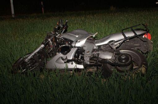 Motorradfahrer stirbt bei Kollision auf Kreisstraße
