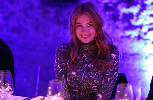 Moderatorin Palina Rojinski kam im Blümchen-Look. Foto: Getty Images