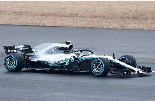 formel 1 saison 2018 mercedes stellt den neuen silberpfeil w09 vor sportmix stuttgarter. Black Bedroom Furniture Sets. Home Design Ideas