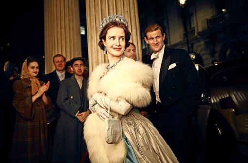 """Claire Foy spielt in der Netflix-Hitserie """"The Crown"""" Queen Elizabeth II. Foto: Viglasky/Netflix"""