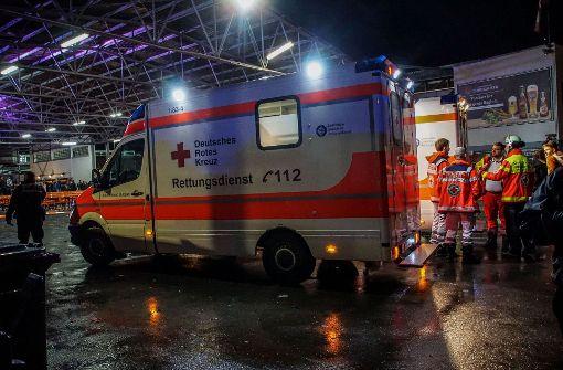 Unbekannter verletzt acht Menschen mit Pfefferspray