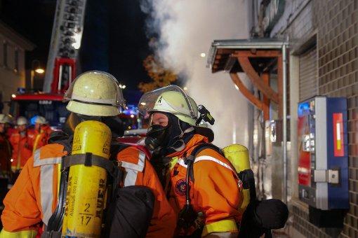 Polizei entdeckt mehrere Brandherde