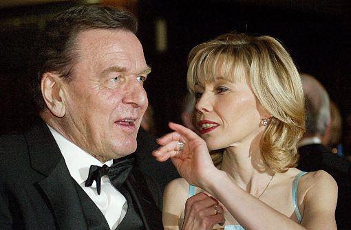 Neue Partnerin an der Seite von Gerhard Schröder