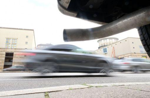 Ungemach für viele Autobesitzer: Vom 1. Januar 2019 an soll es in Stuttgart Fahrverbote für Dieselautos der Euro-Abgasnorm 4 und schlechter geben. Foto: dpa