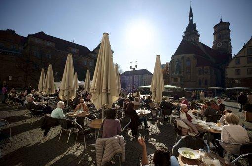 Stuttgart – hier auf dem Schillerplatz – wird künftig attraktiver denn je sein. Foto: Lichtgut/Leif Piechowski