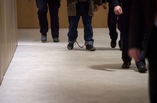 Ex-Neonazi leitet Verfassungsschutz-Geld an NSU weiter