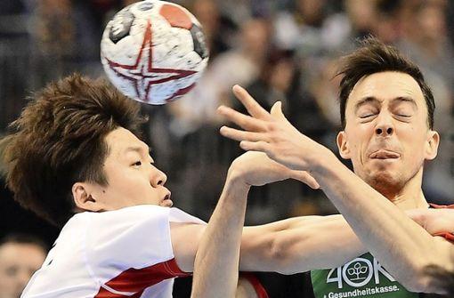 Der Handball im Detail – eigentlich viel zu selten zu sehen. Foto: AFP