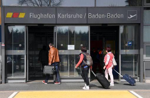 Zollfahnder sind am Flughafen Karlsruhe/Baden-Baden fündig geworden (Symbolbild). Foto: dpa