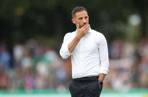 Domenico Tedesco: Der 32 Jahre alte Trainer hat die Schalker gleich in seinem ersten Jahr auf Platz zwei geführt. Entsprechend groß ist die Euphorie um den Coach. Nun muss er beweisen, dass er das Team auch spielerisch weiterentwickeln kann. Foto: Bongarts