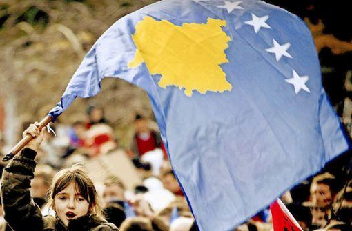 Albaner feiern 2008 die Unabhängigkeit der Republik Kosovo Foto: AFP