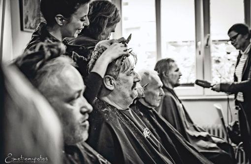 Die Friseur-Engel schweben in Stuttgart ein