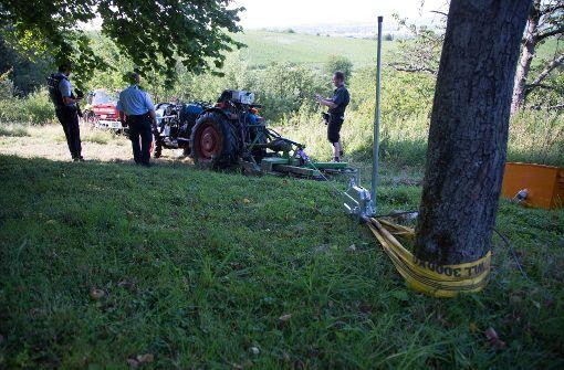 Der 59-jährige Traktorfahrer verstarb trotz sofort eingeleiteter Hilfsmaßnahmen noch an der Unfallstelle. Foto: 7aktuell.de/Sven Adomat