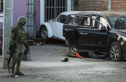 Bei einem Gefecht zwischen mutmaßlichen Bandenmitgliedern und der Marineinfanterie sind kürzlich im Westen von Mexiko sechs Menschen ums Leben gekommen. Foto: AP