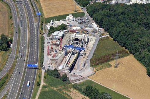 Die Bahn könnte eine Abfahrt von der A8 zur Baustelle des Fildertunnels bauen. Ob sie das tut, ist offen Foto: Bahn/Armin Kilgus