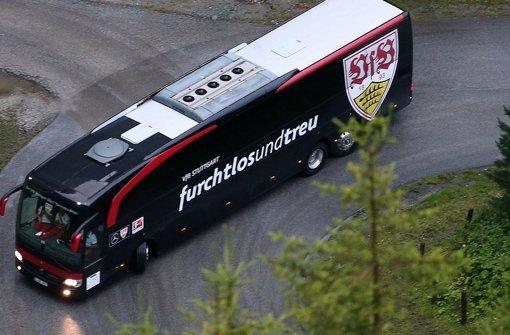 Der neue Leitspruch auf dem Mannschaftsbus des Fußball-Bundesligisten Foto: Baumann
