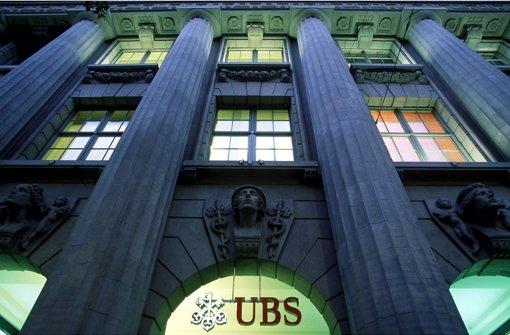 Der Sitz der Schweizer Bank UBS in Zürich: Tausende Steuerflüchtlinge, die ihr Geld über die UBS in die Schweiz geschafft haben, müssen jetzt mit Post von der Staatsanwaltschaft rechnen Foto: dapd