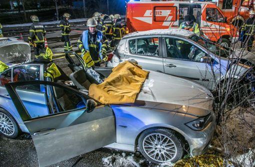 Verbotenes Wendemanöver endet im Crash