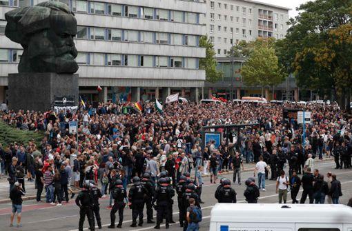 Die Bereitschaftspolizei war mit zahlreichen Beamten vor Ort. Foto: AFP