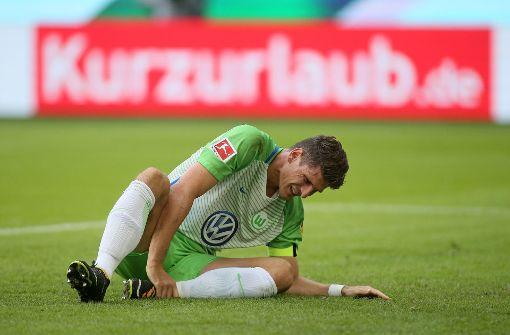 Mario Gomez droht eine längere Zeit beim VfL Wolfsburg auszufallen. Foto: Bongarts/Getty
