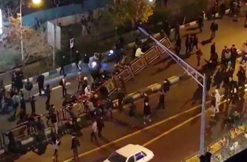 Polizist bei Unruhen erschossen