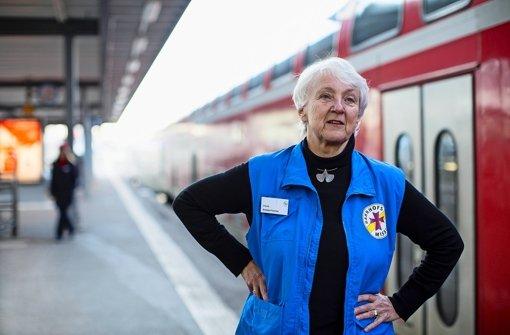 Ursula Ankele-Fischer begleitet regelmäßig Kinder von getrennt lebenden Eltern auf ihrer Fahrt von Mama zu Papa und zurück quer durch Deutschland. Foto: Leif Piechowski