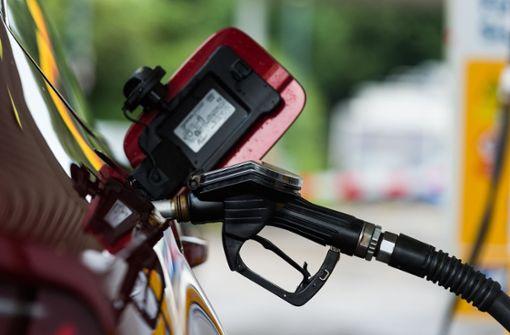 Tankstelle löst mit Billigsprit Verkehrschaos aus