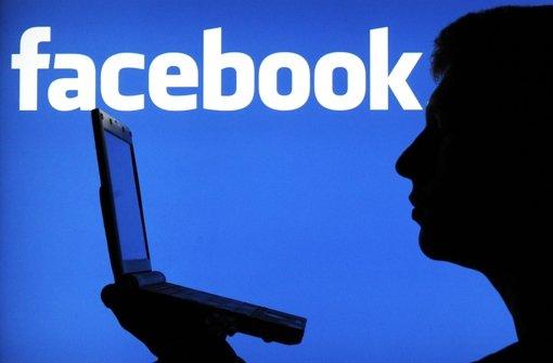Der BGH hat das Urteil eines Richters wegen eines Facebook-Eintrags kassiert. (Symbolbild) Foto: dpa