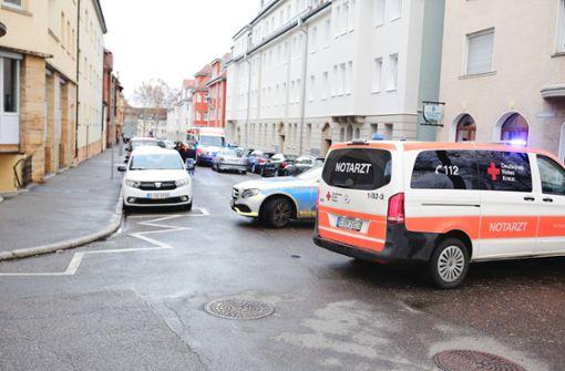 Fußgänger nach Zusammenstoß mit Auto verletzt