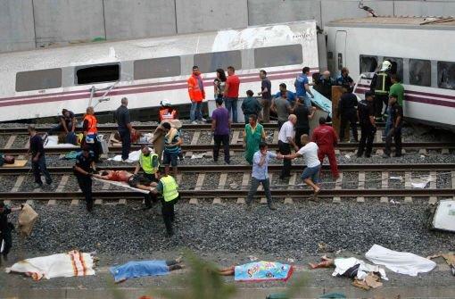 Zugunglück erschüttert Spanien
