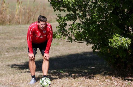 Die VfB-Profis um Mario Gomez waren am Dienstag auf der Golfanlage Marhördt beim Mercedes-Benz Bank Footgolf-Cup zu Gast. Foto: Pressefoto Baumann
