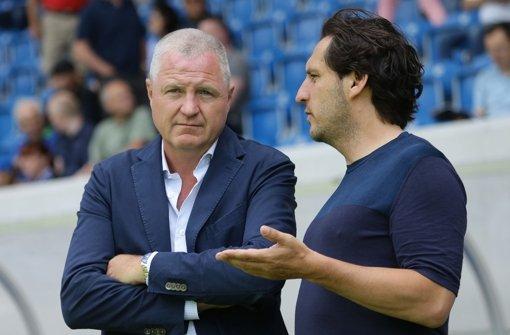 Schwierige Zeiten bei den Kickers: Präsident Rainer Lorz (li.,) Sportdirektor Michael Zeyser. Foto: Baumann