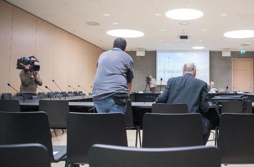 Ex-Rektor Walter Maier weist Vorwürfe zurück