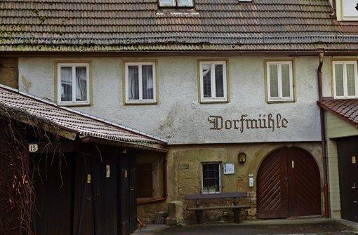 Seit  mehr als 500 Jahren   steht  das Gebäude im Ortszentrum. Foto: Patricia Sigerist