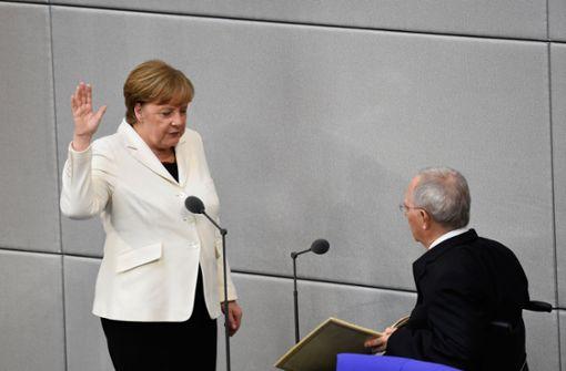 Kanzlerin Angela Merkel legt zum vierten Mal den Amtszeit ab. Foto: dpa