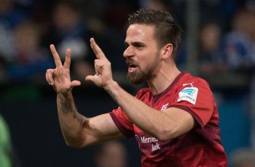 VfB-Spieler Martin Harnik bei seinem Torjubel zum 1:1 auf Schalke. Foto: dpa