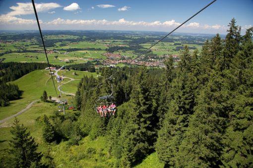 Die moderne Bergbahn Alpspitzbahn bringt Naturliebhaber dabei bequem auf 1500 Meter Höhe  Foto: Nesselwang Marketing GmbH