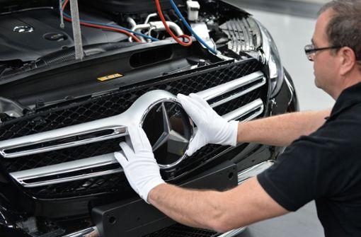 Auch der Diesel-Skandal hat mit den schwachen Verkaufszahlen bei Daimler zu tun. Foto: dpa