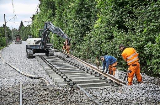 Neues Gleisbett, neue Schwellen, neue Gleise kommen auf der Stadtbahn-Linie U3 Foto: Lichtgut/Horst Rudel