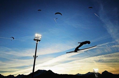Herren der Lüfte: Die Skiflieger gehen am Kulm auf Titeljagd Foto: Getty