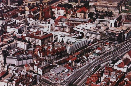 Luftaufnahme des gesamten Areals - im Hintergrund ... Foto: Gerhard Goller