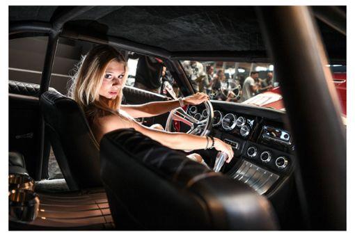 Lack und Ladies ziehen Autofans nach Friedrichshafen